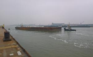 Pontoons / flat top barges – vanderkamp com